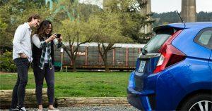 Cek Kebersihan Bodi Luar Mobil Bekas