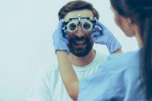 Konsultasi dengan Dokter Specialist Mata