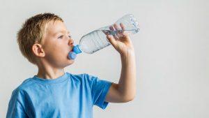 Manfaat Minum Air Putih untuk Anak-anak